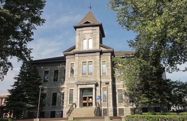 Ministère de la justice - Salaberry-de-Valleyfield courthouse